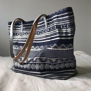{shiraleah} metallic tribal leather + jute tote